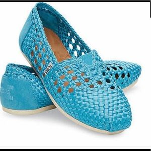 Shoes - NWT Toms Woven Slip On Loafers